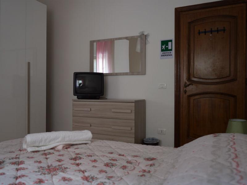 Camera1-Casa-Vacanza-Civitavecchia