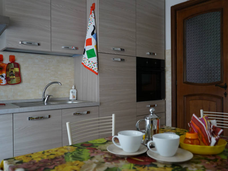 Cucina3-Casa-Vacanza-Civitavecchia