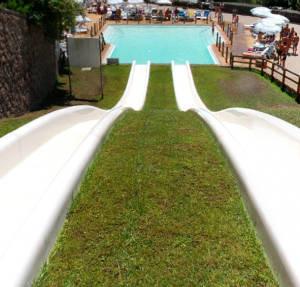 Scivolo Kamikaze, uno degli scivoli più apprezzati del parco acquatico dell'Aquafelix